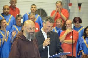 Fra' Vittorio Casalino e Enzo Melillo a conclusione della serata, parlando di sant'Antonio