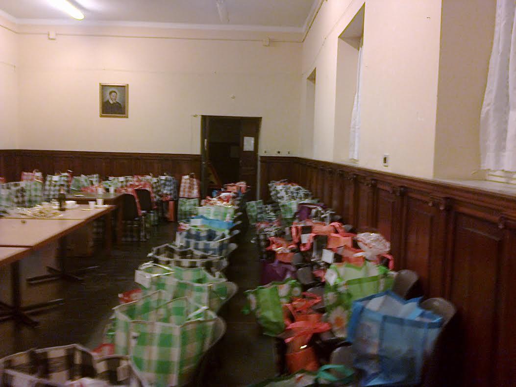 Sacchetti Natale preparati dalle nostre socie nella sede della S. Vincenzo De' Paoli