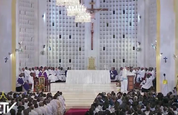 Interno della Cattedrale di Bangui - durante l'omelia del Papa