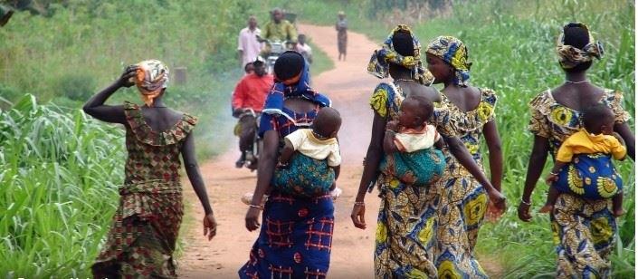 Donne di un centro sfollati